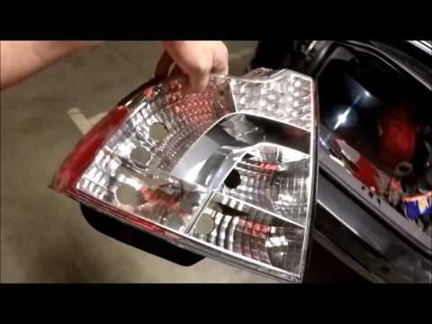 Volvo s40. Замена заднего фонаря. Замена лампочек.