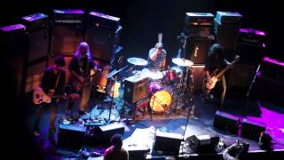 "getlinkyoutube.com-""Boy With The Thorn In His Side"" - Dinosaur Jr live with Johnny Marr and Dale Crover"