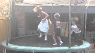 getlinkyoutube.com-Mom Peeing on the tramp
