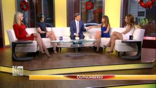 getlinkyoutube.com-Julie Roginsky (damn!) & Lisa Kennedy & Sandra Smith hot legs - Outnumbered - 29/12/16