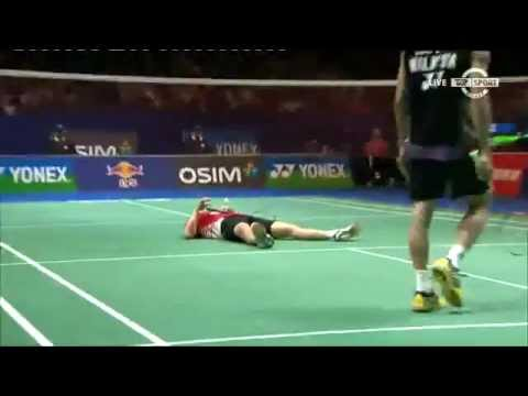 Crazy Badminton Rally - Vittinghus Throwing Himself Around Against Lee Chong Wei