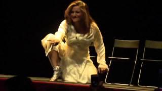getlinkyoutube.com-Saima Khan Seducing Mujra in Barcelona HD