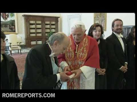 Pope receives Fernando Zegers Santa Cruz  new Chile's ambassador