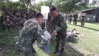 getlinkyoutube.com-U.S and Philippine Marine Corps Trained to Survive in the Jungle