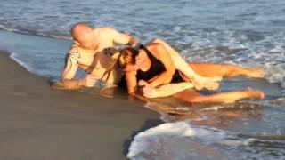 getlinkyoutube.com-Beach Grappling