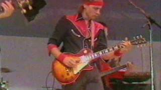 getlinkyoutube.com-Dire Straits & Sting - Money for Nothing [Live Aid -85]