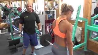 getlinkyoutube.com-Krankes Rückentraining in der Diät mit Sophia Thiel und Karl Ess