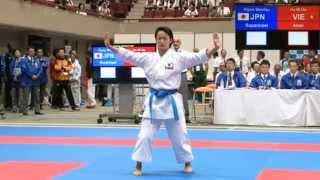 getlinkyoutube.com-Kiyou Shimizu - Suparimpei - Asian Karate Championships 2015