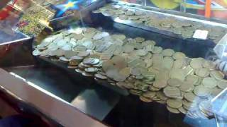 getlinkyoutube.com-Playing coin dozer