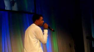 Diggy Simmons Performs
