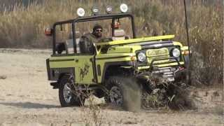 getlinkyoutube.com-Jonga offroading vs thar Offroading