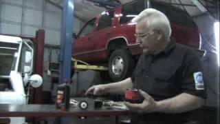 getlinkyoutube.com-Low oil pressure, finding evidence
