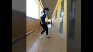 getlinkyoutube.com-Tez Cadey-Seve bạn nhỏ học sinh (shuffe dance) girl này!!!