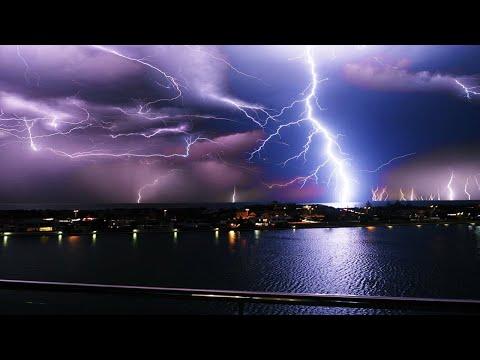 Trezentos Mil raios assustaram os moradores do sul da Austrália