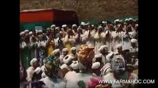 ما لم يره المغاربة... الحسن الثاني يضرب البندير  ويرقص على احواش