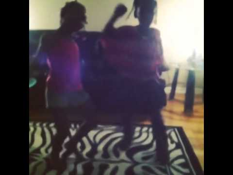 Niajah 8 years old dancing with her sister Feith  D Low shuffle