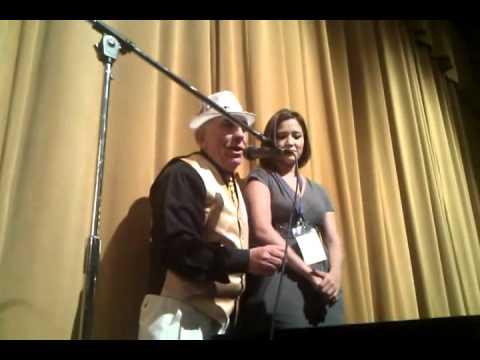 Mago mas Famoso de Guatemala Mr Dory actuando en la Gala de Flasoma