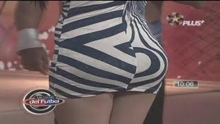 getlinkyoutube.com-Las edecanes mas exuberantes de la tv. Regia (descuido)
