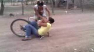 getlinkyoutube.com-Locas Peleando