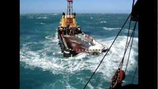 getlinkyoutube.com-Dangerous job on deck SUPPLY TUGS. OFFSHORE SERVICES.