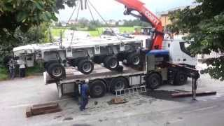getlinkyoutube.com-Iveco Trakker With Palfinger Crane Loading Goldhofer Modular Trailer