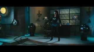 getlinkyoutube.com-In Super-Villainess Boots She Battles
