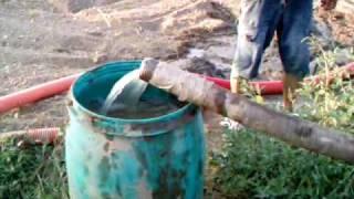 getlinkyoutube.com-pozo a mano para riego ( mantenimientospapaseit ) parte 7