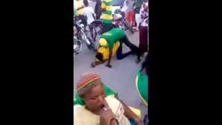 getlinkyoutube.com-Baikoko Live! CCM wacheza Kigodoro na mchezo mbaya barabarani