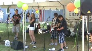 getlinkyoutube.com-U4EA rocks the Graeme Preston foundation for life  with song DECODE by Paramore