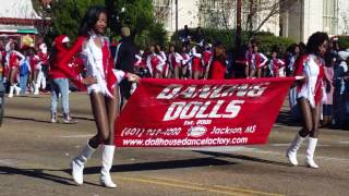 "getlinkyoutube.com-The Dancing Dolls of Dollhouse Dance at the 2016 COJ Holiday Parade ""Christmas in the Capital"""