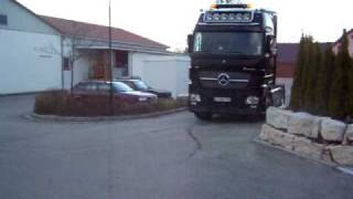 Actros 1861  Black Edition in Action