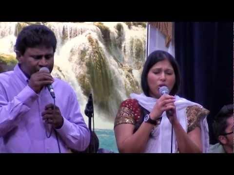 Kanivin Karangal Dinam - Jose George & Shiny Johnson - Hits of J . V . Peter Memorial Live Concert