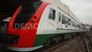 getlinkyoutube.com-Demu train Dhaka Bangladesh