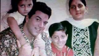 getlinkyoutube.com-Dharminder  with wife parkash kaur,sunny and Bobby deol !back in the days