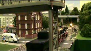 getlinkyoutube.com-Roco lokomotywa Ty2 z wagonami Roco Gondola / Locomotive Ty2 with Roco Freight Cars gondola