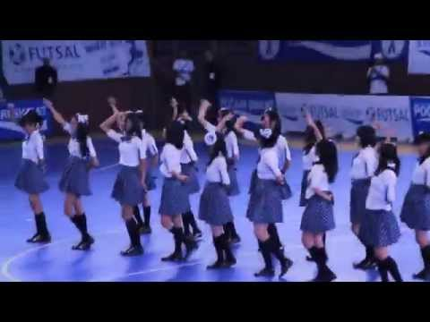 JKT48 -Pocari Sweat Futsal Championship 2012 Senayan 130512