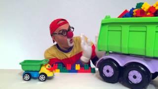 getlinkyoutube.com-КЛОУН ДИМА- Лего, Большой грузовик и Маленький самосвал - Машинки Для Игры