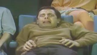 getlinkyoutube.com-Halloween with Mr Bean - Watching a horror movie