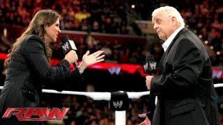 getlinkyoutube.com-Big Show knocks out WWE Hall of Famer Dusty Rhodes: Raw, Sept. 16, 2013