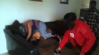getlinkyoutube.com-Ms. Vet giving beat down over them racks!!! (DAMN CUZ!!!!)