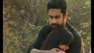 getlinkyoutube.com-Iss Pyaar Ko Kya Naam Doon : Shlok saves Aastha - Bollywood Country Videos