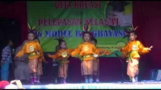 getlinkyoutube.com-Tari Laila Canggung RA Miftahul Huda Bangbayang Brebes (Farras Dkk)