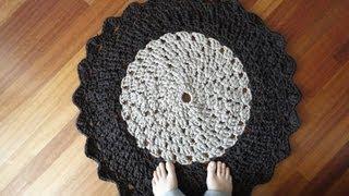 getlinkyoutube.com-T-shirt Yarn Crocheted Rug Tutorial (Part 1)