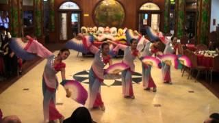 getlinkyoutube.com-Chinese Fan Dance
