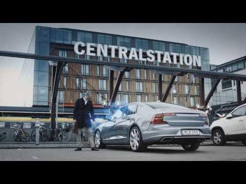 Уникальное решение Volvo — мобильный телефон в качестве ключа