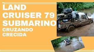 getlinkyoutube.com-LAND CRUISER 70 CRUZANDO RIO