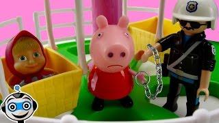 getlinkyoutube.com-Peppa y Masha se cuelan en la feria y Peppa va a la carcel por no pagar
