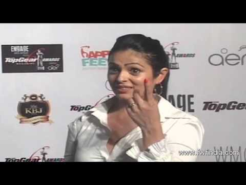 Bollywood celebs at red carpet of 6th Top Gear Awards 2014