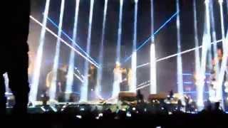 getlinkyoutube.com-لو كنا بنحبها غناء تامر حسني وطلاب جامعه MUST