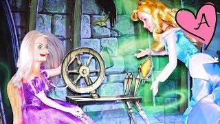 getlinkyoutube.com-La Bella Durmiente - Historias en español con juguetes y muñecas de Disney y Barbie